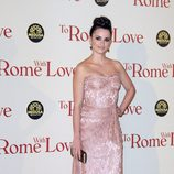 Penélope Cruz con un diseño de Dolce & Gabbana en el estreno de 'To Rome With Love'