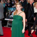 Elsa Pataky con vestido verde de Hoss Intropia en el estreno de 'Los Vengadores' en Londres