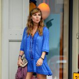 Elsa Pataky embarazada con un vestizo azul playero