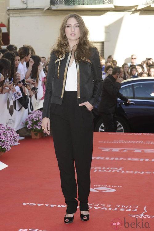 María Valverde con traje de chaqueta negro en la apertura del Festival de Málaga 2012