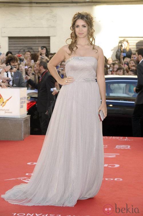 Elena Furiase con vestido largo de gasa en la apertura del Festival de Málaga 2012