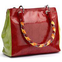 Bolso en rojo y verde de BF Colección Europa primavera/verano 2012