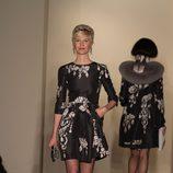 Vestido negro estampado de la temporada otoño/invierno de Oscar de la Renta 2012/2013