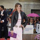 Elena Ballesteros con vestido rosa y cazadora durante la clausura del Festival de Málaga 2012