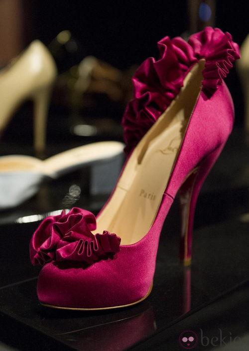 Zapatos fucsia de la exposición de Christian Louboutin en Londres