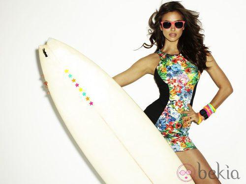 Irina Shayk con ropa de baño de Blanco temporada verano 2012