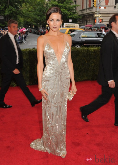 Camilla Belle acertó con un vestido de Ralph Lauren  en la gala del MET 2012