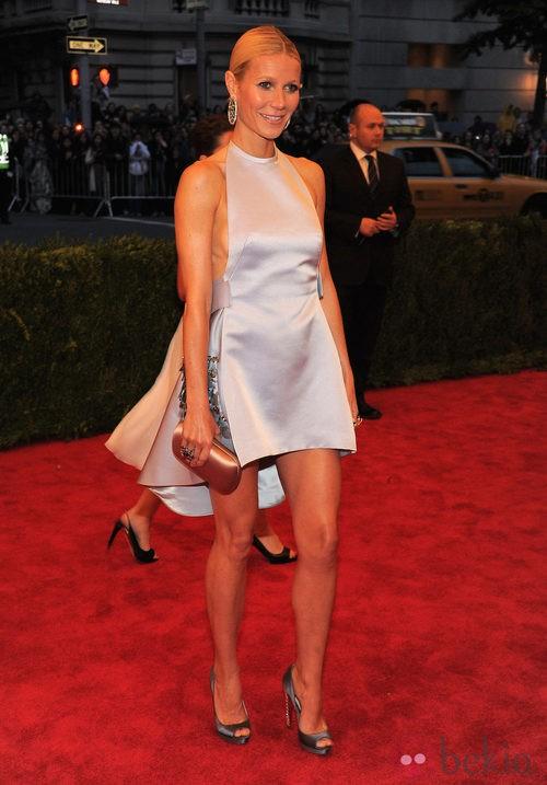 Gwyneth Paltrow de Prada en la gala del Met 2012