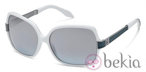 Gafas de sol de la nueva colección de Roberto Cavalli primavera/verano 2012 en blanco