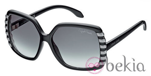 Gafas de sol de la nueva colección de Roberto Cavalli primavera/verano 2012 de ojos de gato en negras