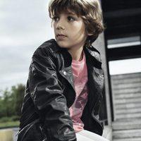 Cazadora negra de la nueva colección Boss Niños primavera/verano 2012