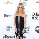 Julie Bowen con un vestido negro en los premios Billboard 2012