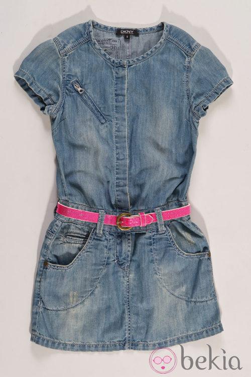 Peto vaquero de niña de la colección infantil de DKNY primavera/verano 2012