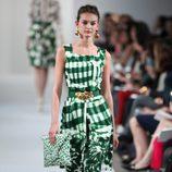 Vestido verde de cuadros de la Colección Crucero de Oscar de la Renta