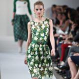 Vestido verde estampado de la Colección Crucero de Oscar de la Renta