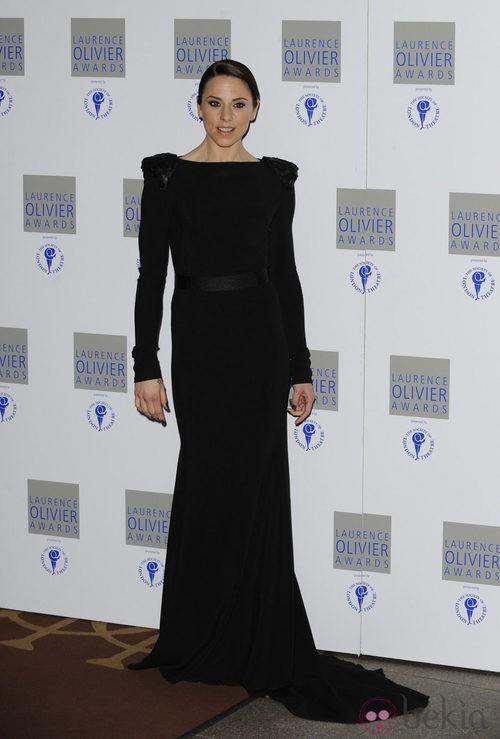 Melanie C muy elegante con un vestido negro de Victoria Beckham