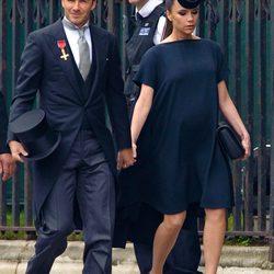 Celebrities usando vestidos de la firma Victoria Beckham