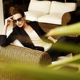 Nieves Álvarez, embajadora de la firma, con lentes dinámicas Transitions
