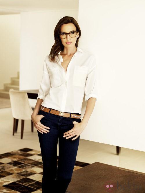 Nieves Álvarez, embajadora de la firma, muy guapa con lentes Transitions