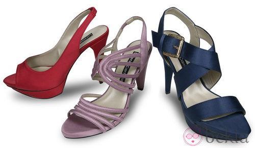 Sandalias  roja, violeta y azul de la colección primavera/verano 2012 de Lorena Carreras