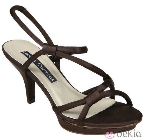 Sandalias marrones de la colección primavera/verano 2012 de Lorena Carreras