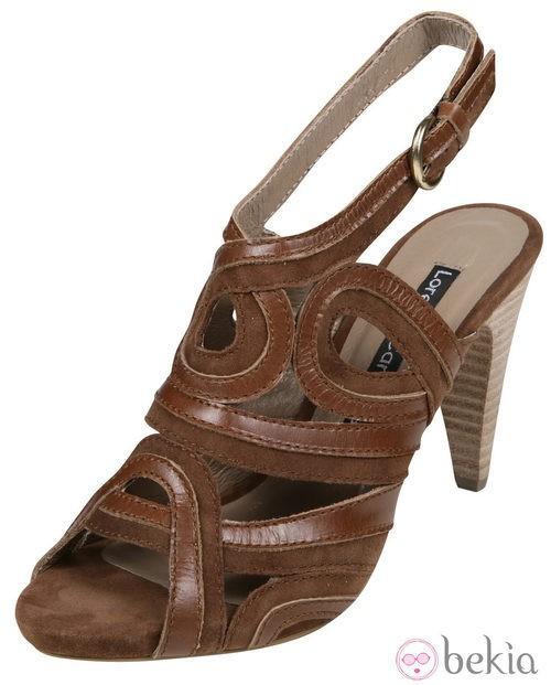 Sandalias marrón oscuro de la colección primavera/verano 2012 de Lorena Carreras