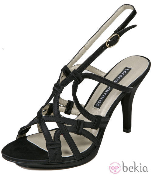 sandalias negras de la colección primavera/verano 2012 de Lorena Carreras