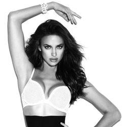 La modelo Irina Shayk para la nueva colección de lencería Push Up de Suiteblanco