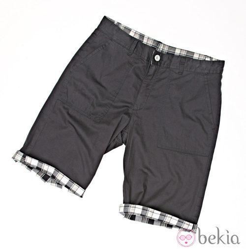Pantalón corto en negro de la colección verano 2012 de Lois