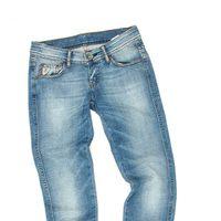 Pantalón vaquero claro de la colección verano 2012 de Lois