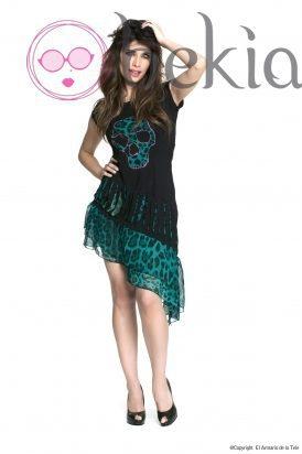 Pilar Rubio con un vestido negro y verde de su colección Metalhead Clothing