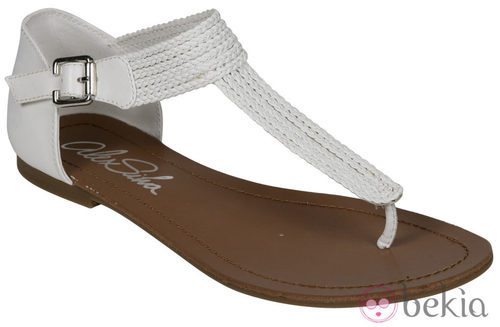 Sandalia plana blanca de la nueva colección de Alex Silva verano 2012