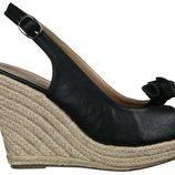Sandalia negra de cuña de esparto de la nueva colección de Alex Silva verano 2012