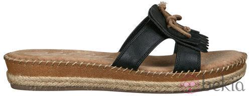 Sandalia de nobuk de la nueva colección de Alex Silva verano 2012