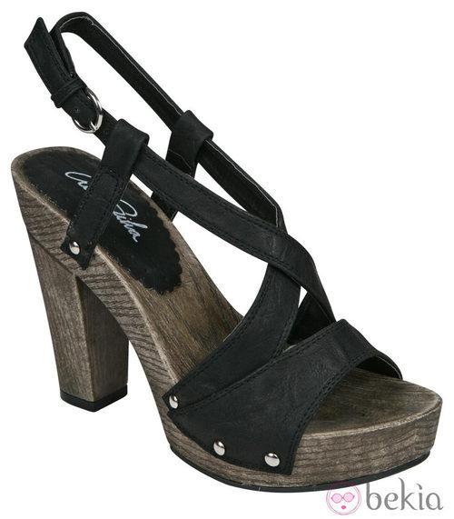 Sandalia negra de tacón de la nueva colección de Alex Silva verano 2012