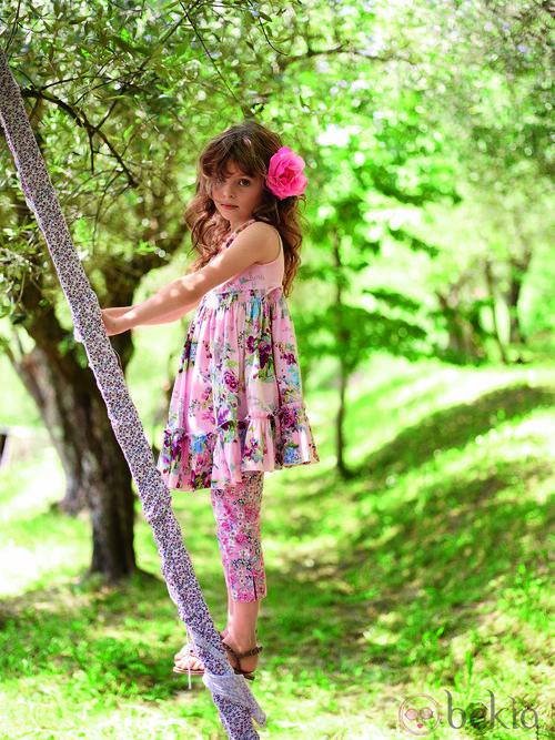 Vestido rosa estampado de la colección verano 2012 de Benetton niños