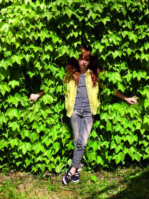 Chaqueta y jeans de la colección verano 2012 de Benetton Niños