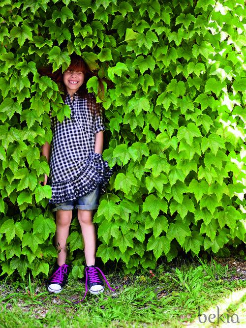 Vestido con estampado de cuadros de la colección verano 2012 de Benetton Niños