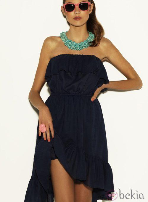 Vestido azul marino y collar aguamarina de la coleción Verano 2012 de Suiteblanco