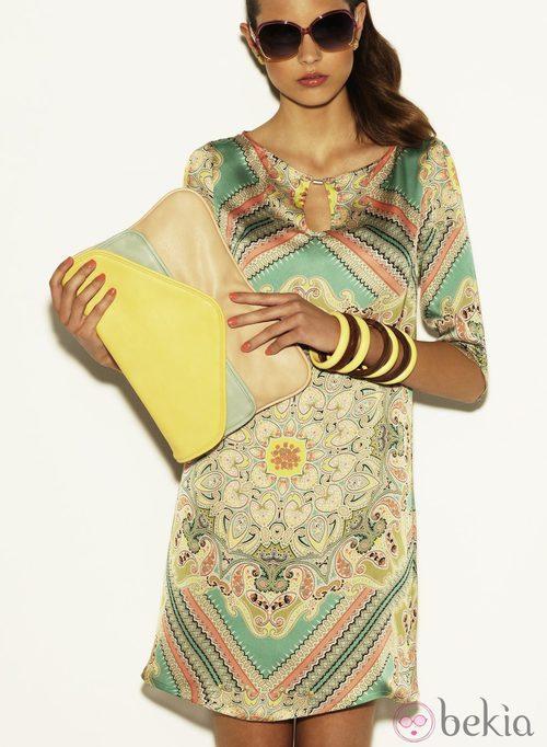 Vestido de estampado pañuelo de la colección Verano 2012 de Suiteblanco