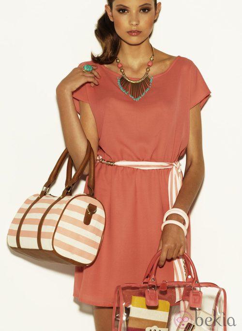 Vestido color coral de la colección Verano 2012 de Suiteblanco