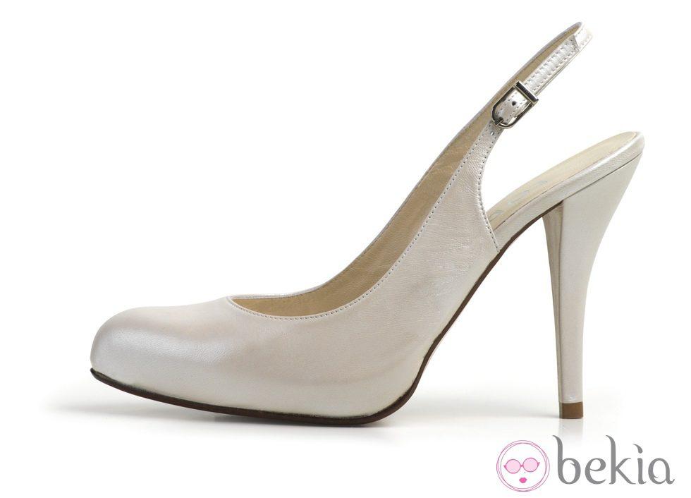 Zapato de salón destalonado de la colección de calzado de novia de Lodi verano 2012