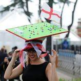 Tocado en forma de furbolín en las carreras de Ascot 2012