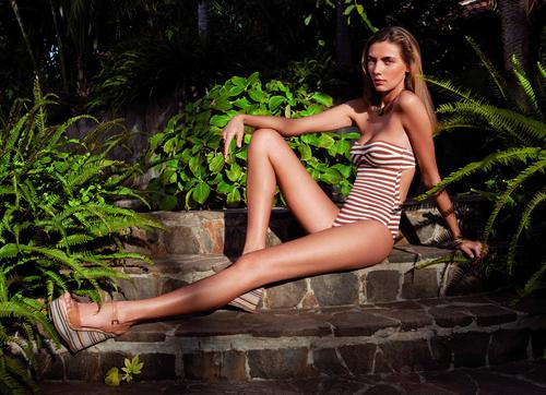 Bañador bandeu de rayas de la colección verano 2012 de Women'secret