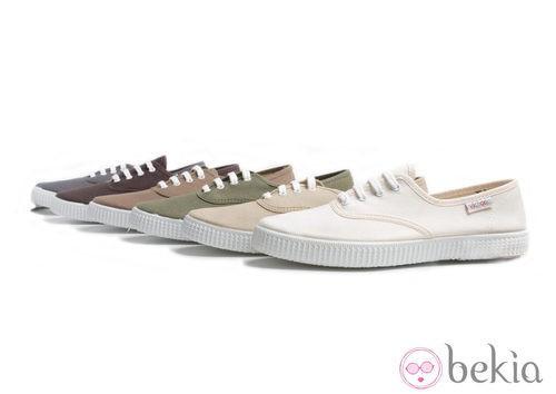 Zapatillas de lino en colores tierra y beige de la colección Victoria by BAMBA verano 2012