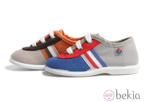 Zapatillas Victoria de niño con rayas colección verano 2012