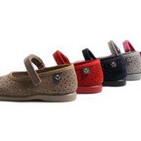 Zapatitos Victoria de niña en varios colores de la colección de verano 2012