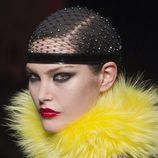 Intensos labios rojos de Jean Paul Gaultier en la Pasarela de la Alta Costura de París otoño/invierno 2012/2013