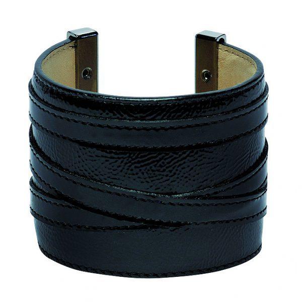 c155b137b103 Pulsera negra de la nueva colección de Longchamp para este verano 2012 -  Nueva colección de complementos Longchamp para este verano 2012 - Foto en  Bekia ...