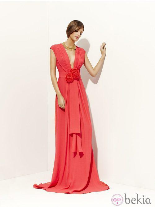 Vestido rojo de la colección primavera/verano 2012 de Alta Costura de Pedro del Hierro